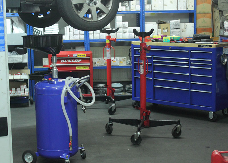 MCM Garage servicing station